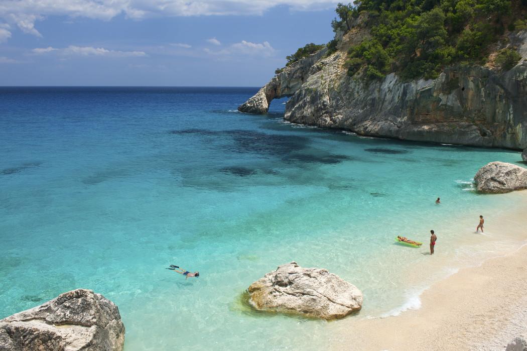 Dal mare bandiera blu di baia domizia alle spiagge pi for Le piu belle fotografie