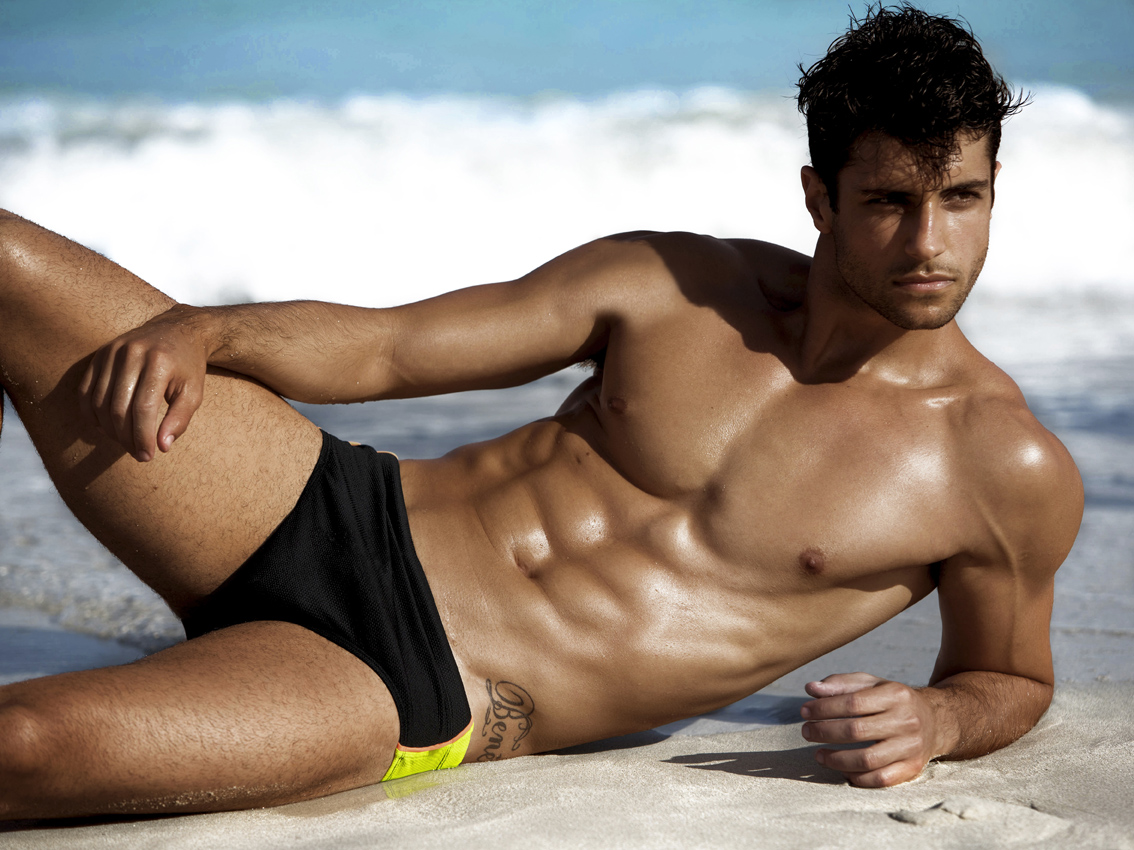 5 tipi di uomini da spiaggia da cui scappare. Donne, depennate dall ...