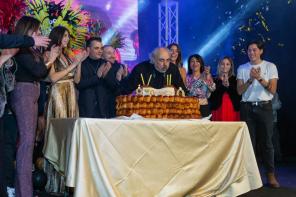 Una mega festa per festeggiare gli 80 anni del patron del Teatro Palapartenope Rino Manna.