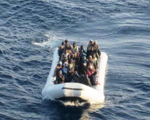 Immigrazione-a-Lampedusa-sbarcati-200-migranti-581c197f0ad1cd524580cfb51ec26a0b