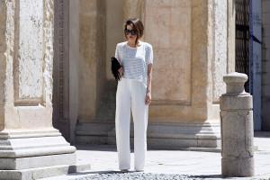 PANTALONI-A-PALAZZO-STRIPES-T-SHIRT-minimal-outfit-43