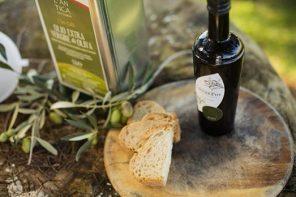 In Irpinia la dieta Mediterranea si completa con l'olio extra vergine d'oliva Dop Irpinia-Colline dell'Ufita.